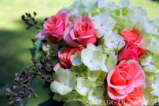 Bouquet with Peach Spray Roses